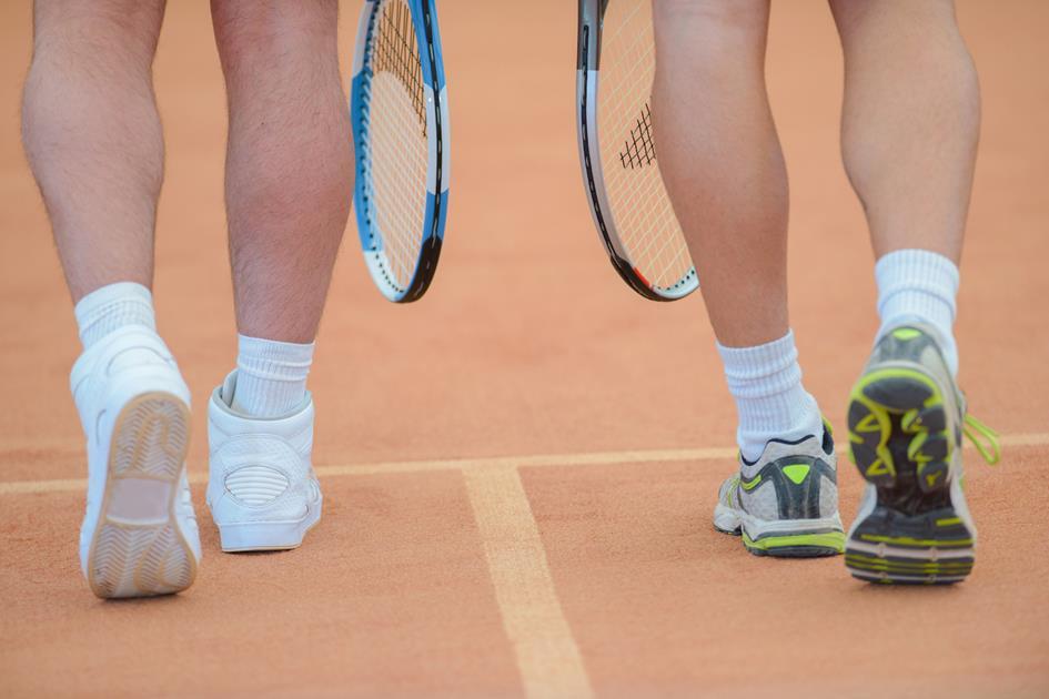 walk away_tennis dubbel_PSZ9D7G.jpg